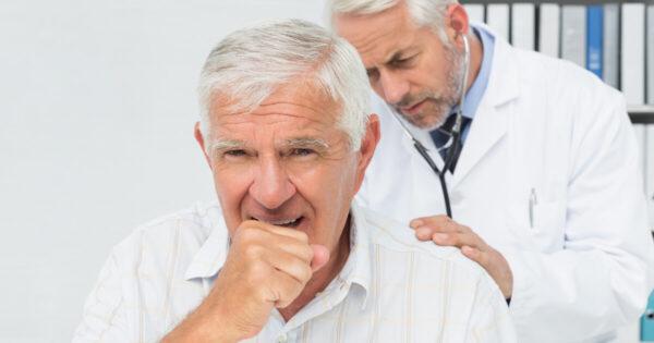 Fibroza pulmonară idiopatică: semnele și simptomele pot apărea chiar și cu 5 ani înainte de diagnostic. Cum le recunoaștem?