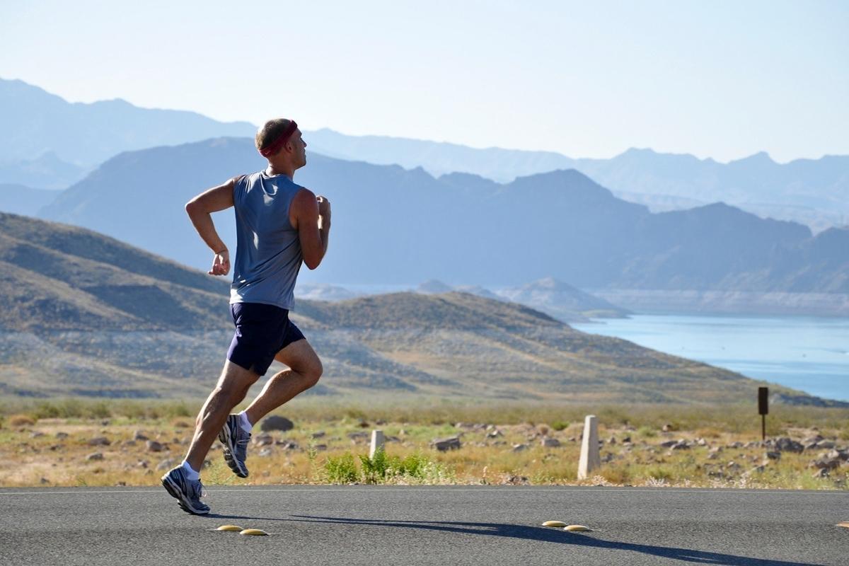 Exercițiul fizic, în special cel ce implică greutăți, benefic în fibroza pulmonară idiopatică