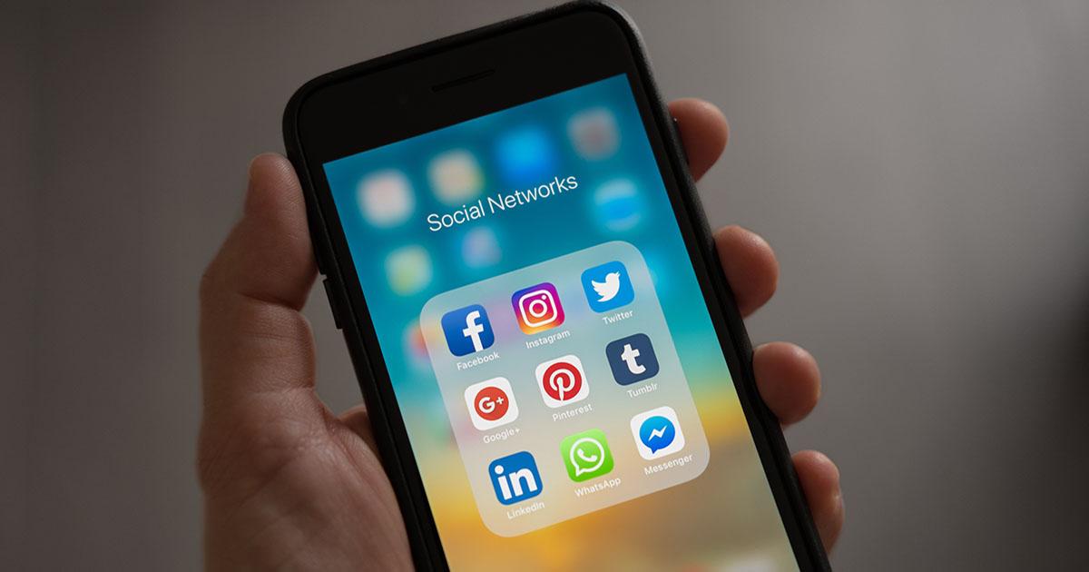 Telefon mobil - social networks