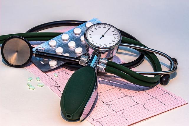 Tratamenul cu statine pentru reducerea nivelului seric al LDL-colesterolului și pentru scaderea riscului de evenimente aterosclerotice (IM și AVC)
