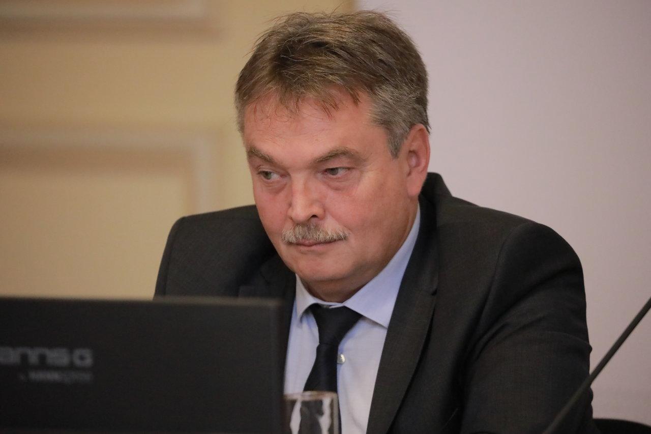 Dr. Laszlo Attila, Președinte, Comisia pentru Sănătate Publică, Senat