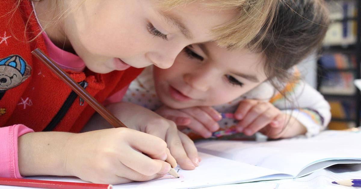 copii care scriu