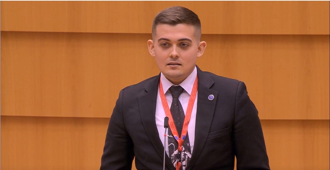 Victor Gîrbu, tânăr supraviețuitor cancer