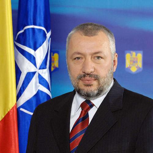 Iulian Fota