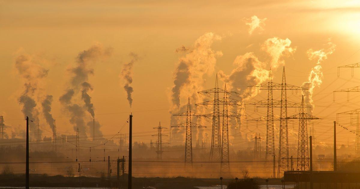poluare atmosferă particule solide PM 2,5 microni ozon troposferă efecte sănătate